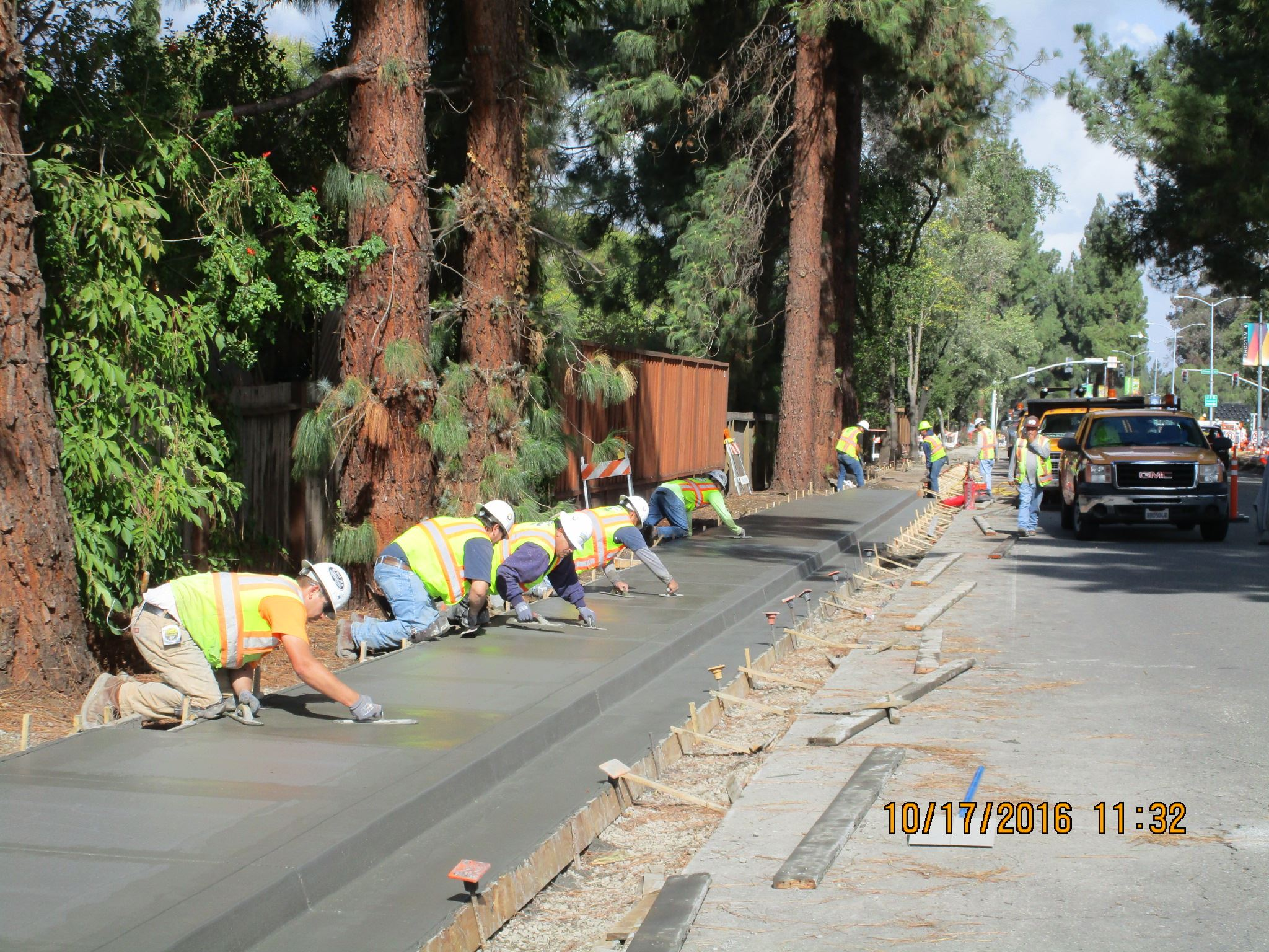 Contra Costa Boulevard New Sidewalk Along West Wide Picture 1